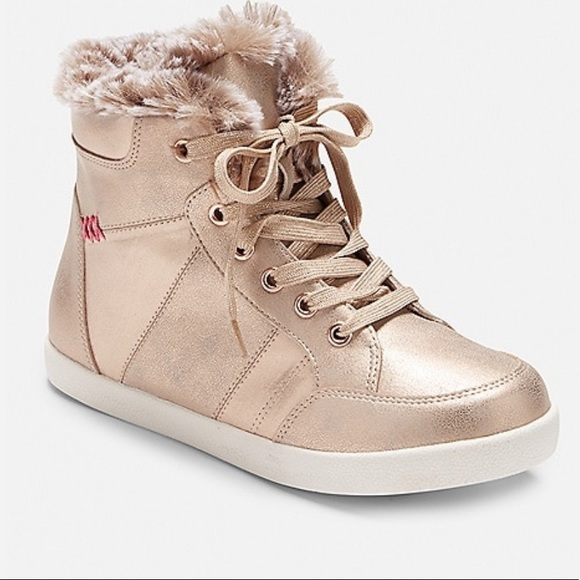 Justice Other - 🆕FUR TRIM HIGH TOP SNEAKER🆕